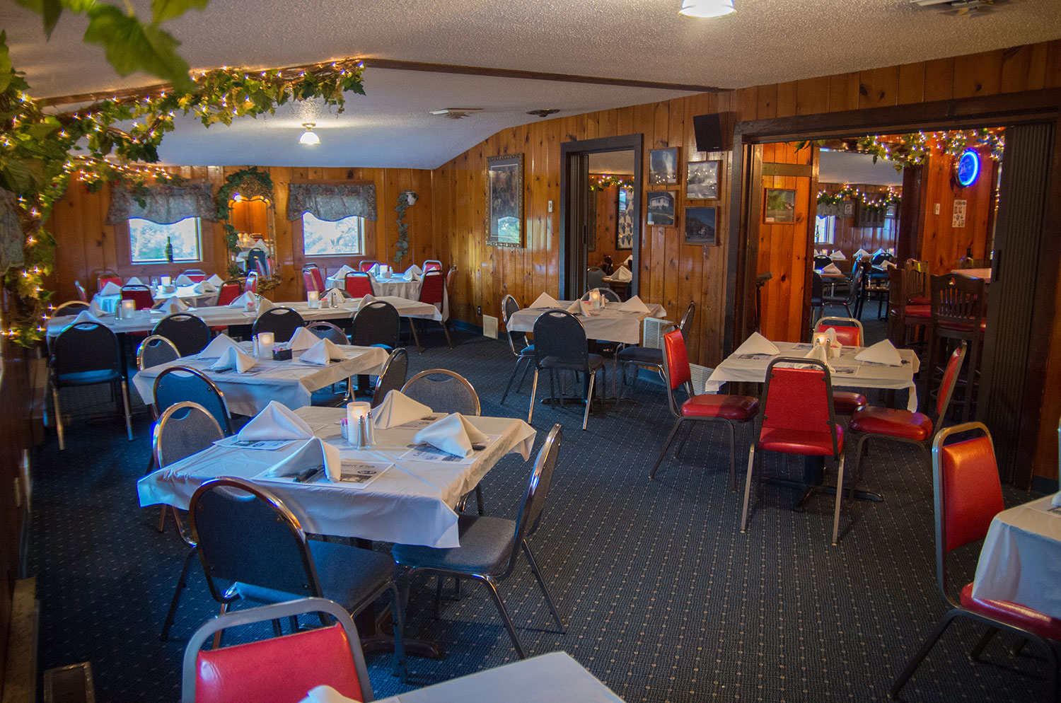 dining room - Castle Hill Supper Club - restaurant and banquet facility