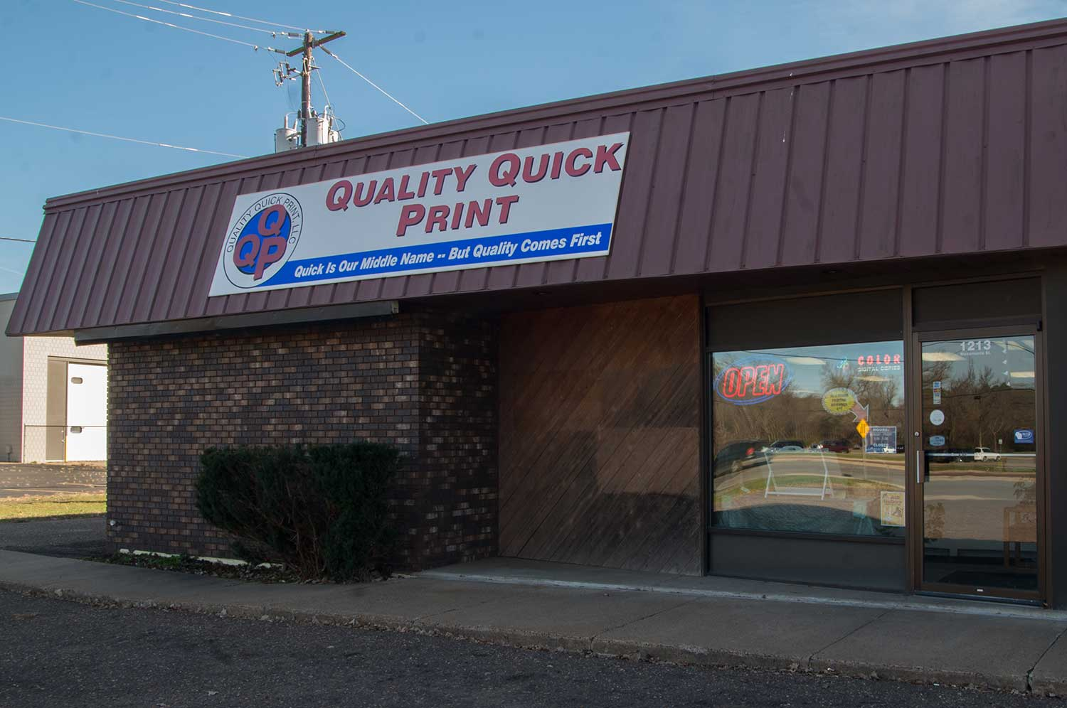 Quality Quick Print - Eau Claire Printing, Banners and Signs
